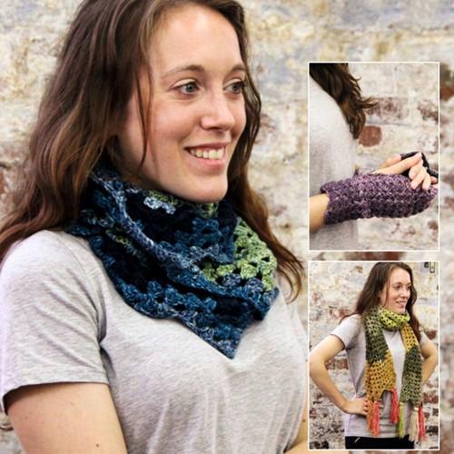 Haakpatroon Stylecraft Batik Swirl DK No. 9489 Sjaal, col en wanten