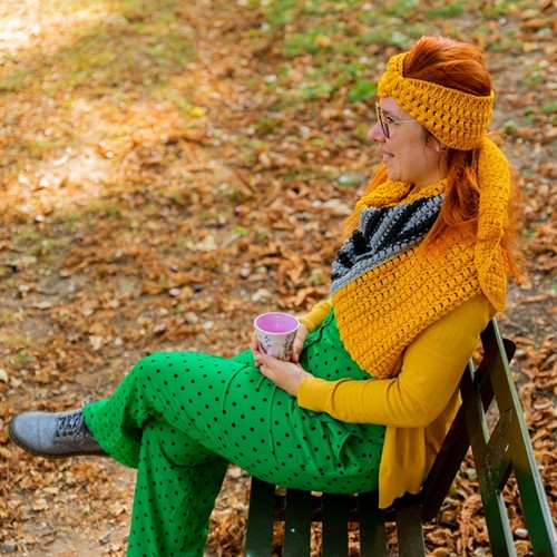 Yarn and Colors Criss Cross Dot Headband Haakpakket 015 Mustard