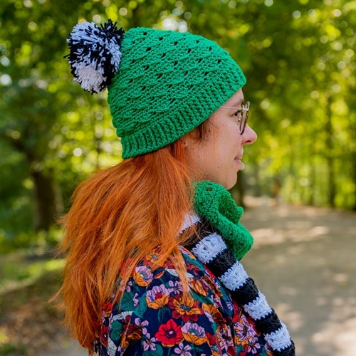 Yarn and Colors Black White and Bright Hat Haakpakket 087 Amazon