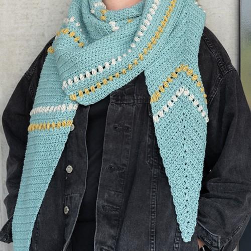 Haakpatroon Yarn and Colors Asymmetrical Scarf