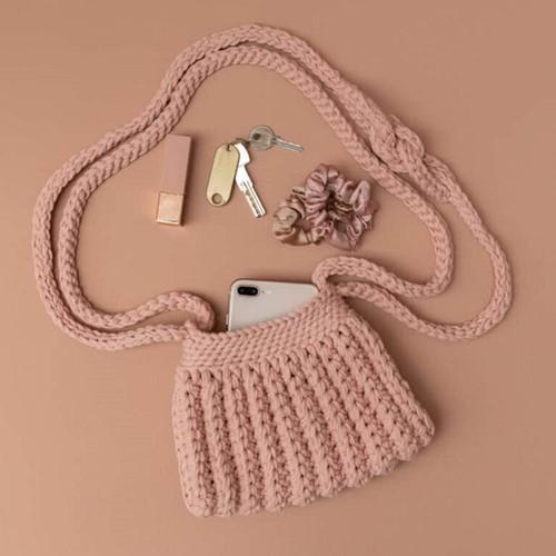 Yarn and Colors Cool Cross Body Bag Haakpakket 3 Rosé