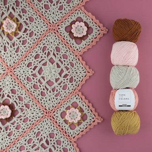 Yarn and Colors Romantic Throw Haakpakket 2 Birch