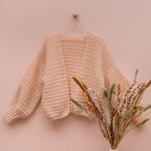 Yarn and Colors Cloud Cardigan Crochet Haakpakket S/M 101 Rosé