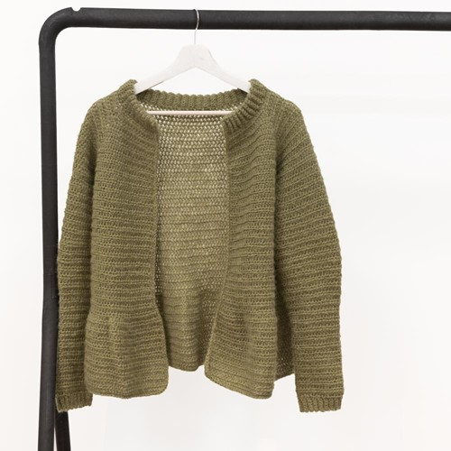 Yarn and Colors Elegant Afternoon Tea Cardigan Haakpakket XS Olive