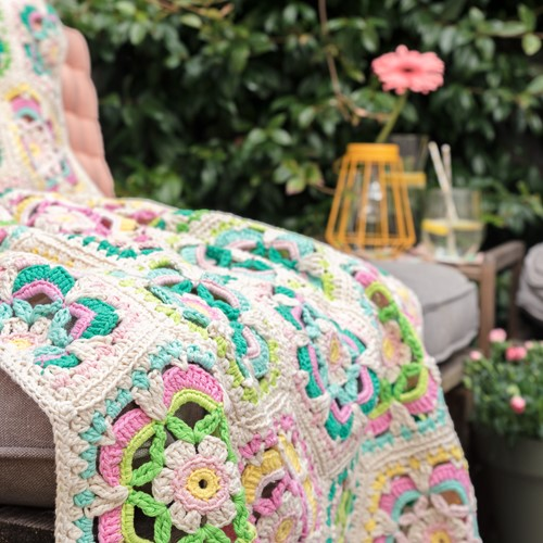 Haakpatroon Yarn and Colors Garden Party Blanket
