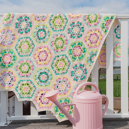 Yarn and Colors Garden Party Blanket Haakpakket