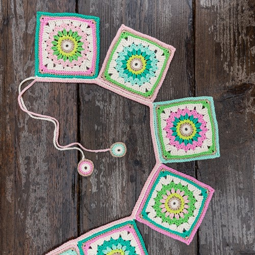 Haakpatroon Yarn and Colors Garden Party Bunting