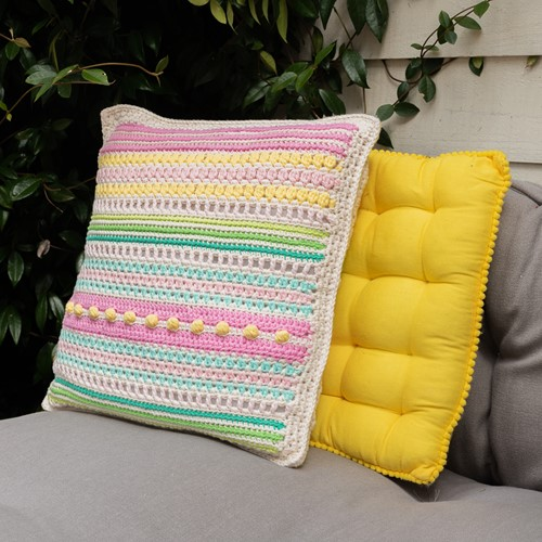 Haakpatroon Yarn and Colors Garden Party Cushion