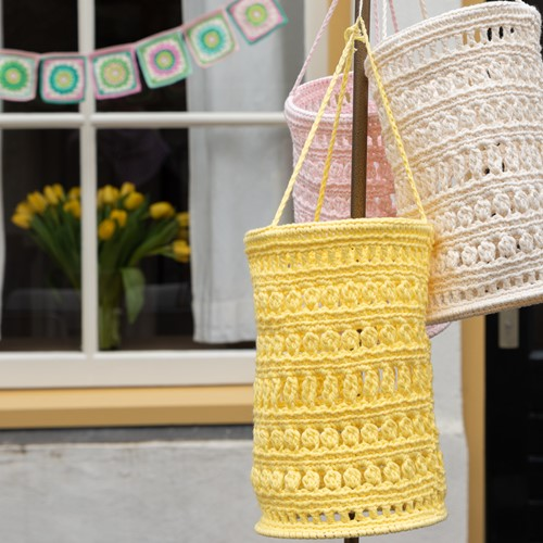 Haakpatroon Yarn and Colors Garden Party Lantern