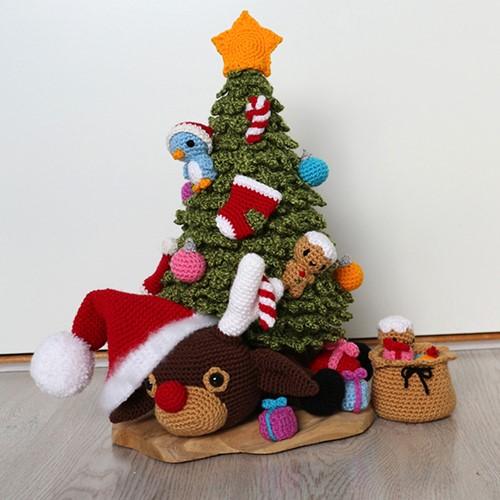 Haakpatroon Rudolf Onder De Kerstboom