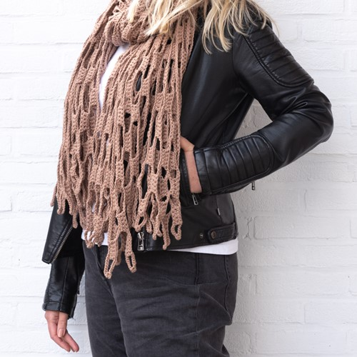 Yarn and Colors Slouchy Stripes Shawl Haakpakket 006 Taupe