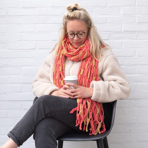 Yarn and Colors Slouchy Stripes Shawl Haakpakket 041 Coral