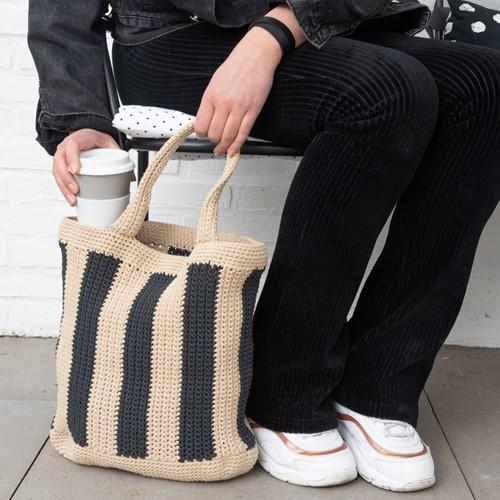 Yarn and Colors Striped Tote Bag Haakpakket 009 Limestone