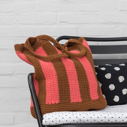 Haakpatroon Yarn and Colors Striped Tote Bag