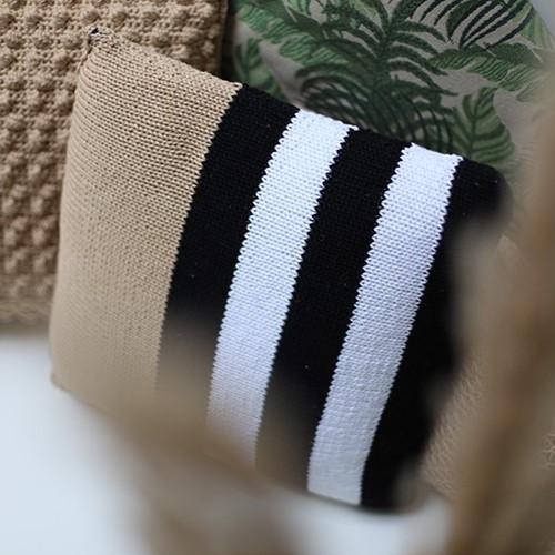 Yarn and Colors Black, White and Bright Comfy Cushion Breipakket 009 Limestone