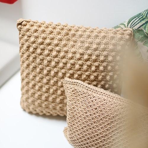 Yarn and Colors Bobbles Comfy Cushion Haakpakket 009 Limestone