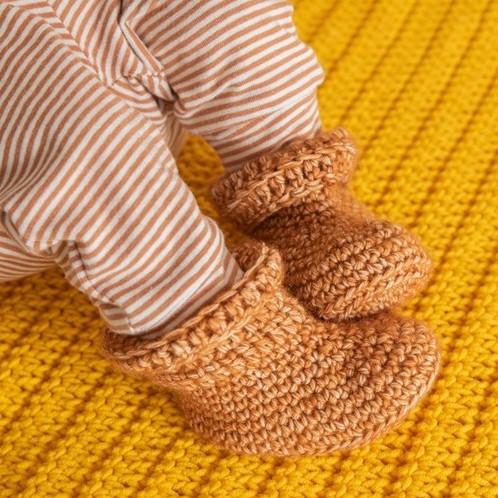 Yarn and Colors Oh Baby! Crochet Booties Haakpakket 026 Satay
